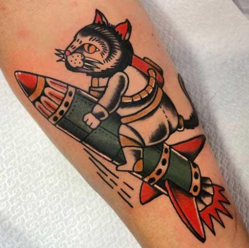 gato astronauta tatoo