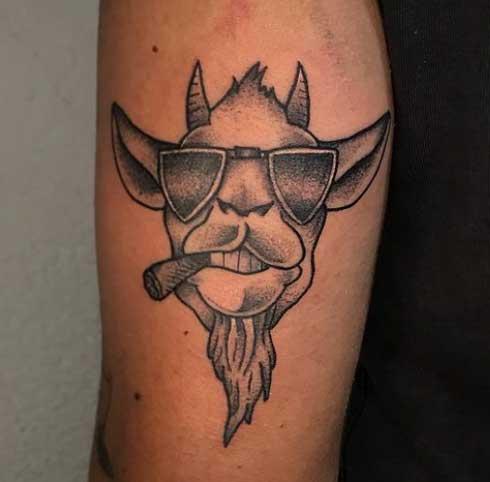 idea tatuaje de cabra