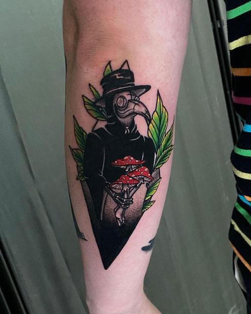 tattoo a color de Medico peste