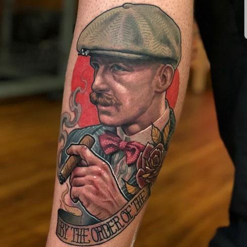 tatuaje a color de peaky blinders