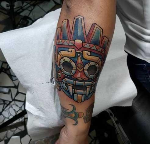 tatuaje en brazo tlaloc