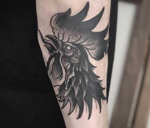 tatuaje gallo negro
