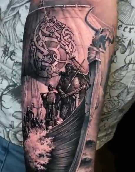 tatuaje navio vikingo