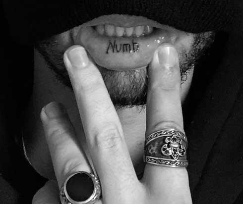 tatuaje numb en labio