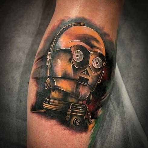 tatuaje robot starwars