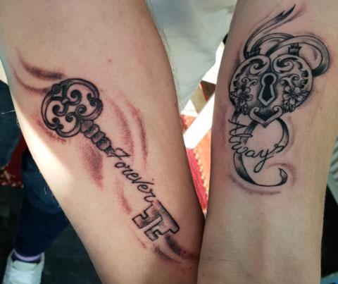 candado tatuaje parejas