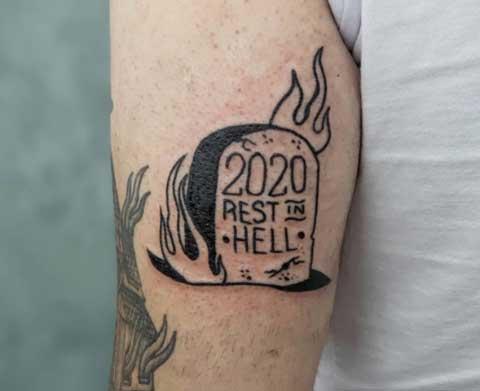lapida tatuada
