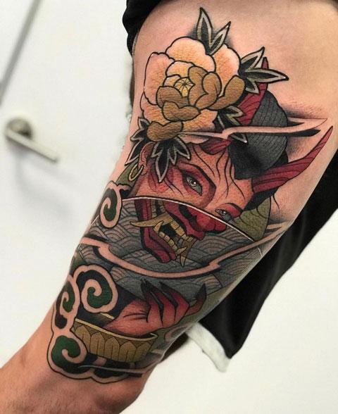 mujer demonio tattoo