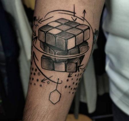tattoo de cubos de rubik
