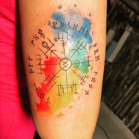 tatuaje acuarela vikingo