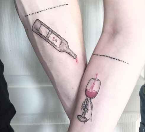 tatuaje botella y copa