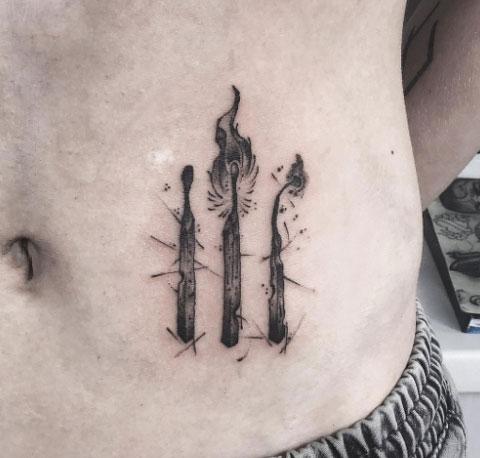 tatuaje de 3 fosforos