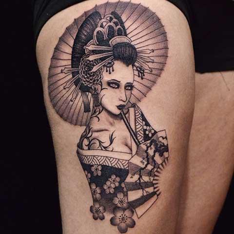 tatuaje geisha en la pierna