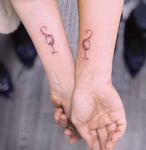 tatuaje de pareja copas