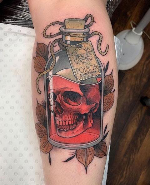 botella de veneno tattoo