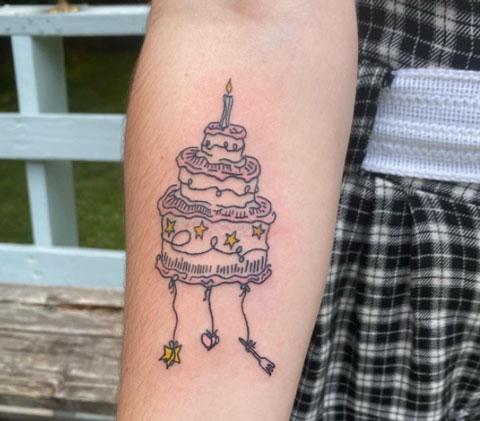 tatuaje 3 pisos de pastel