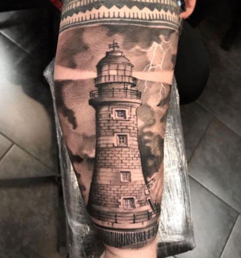 tattoo faro y tormenta