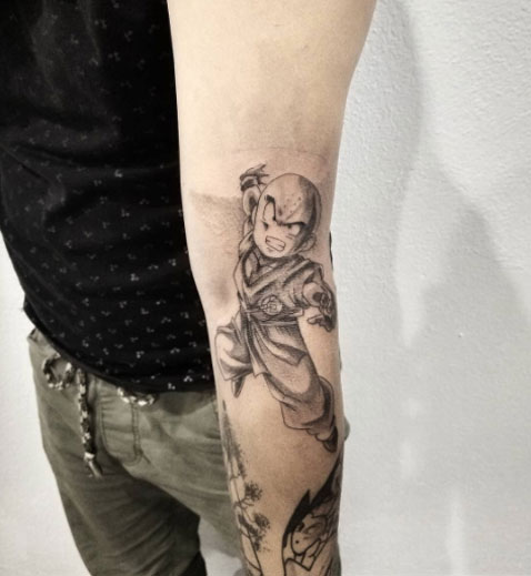 tattoo krillin en blanco y negro