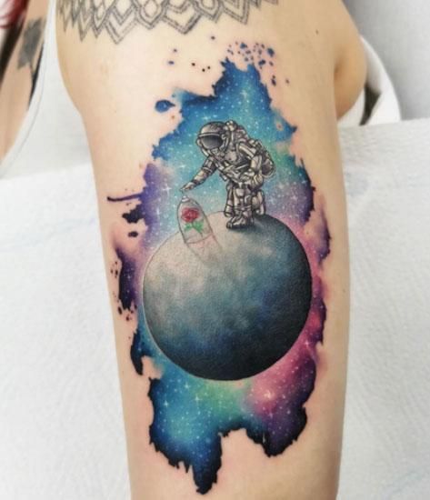tatuaje astronauta y principito