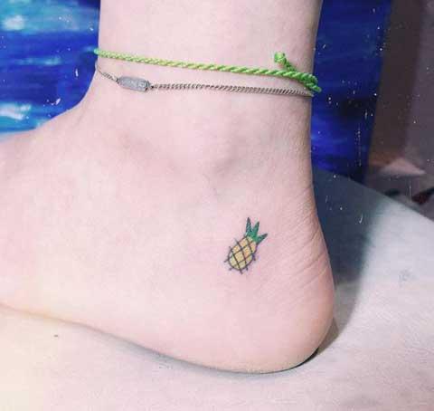 tatuaje chiquito de piña