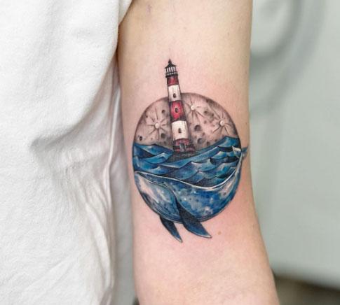 tatuaje faro luna ballena