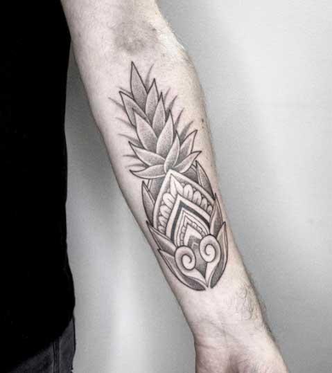tatuaje maori piña