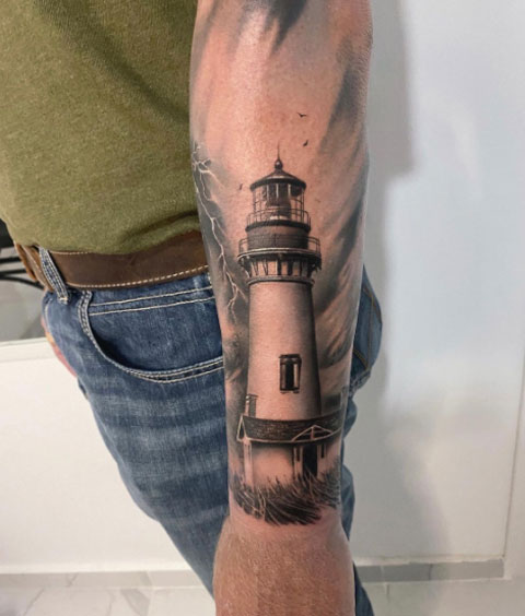 tatuaje realismo de faro