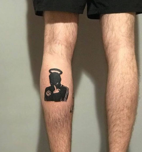 tatuaje en pie de mascara de ski
