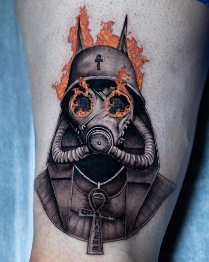 tatuaje mascara gas