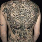 candario azteca tatuaje en espalda